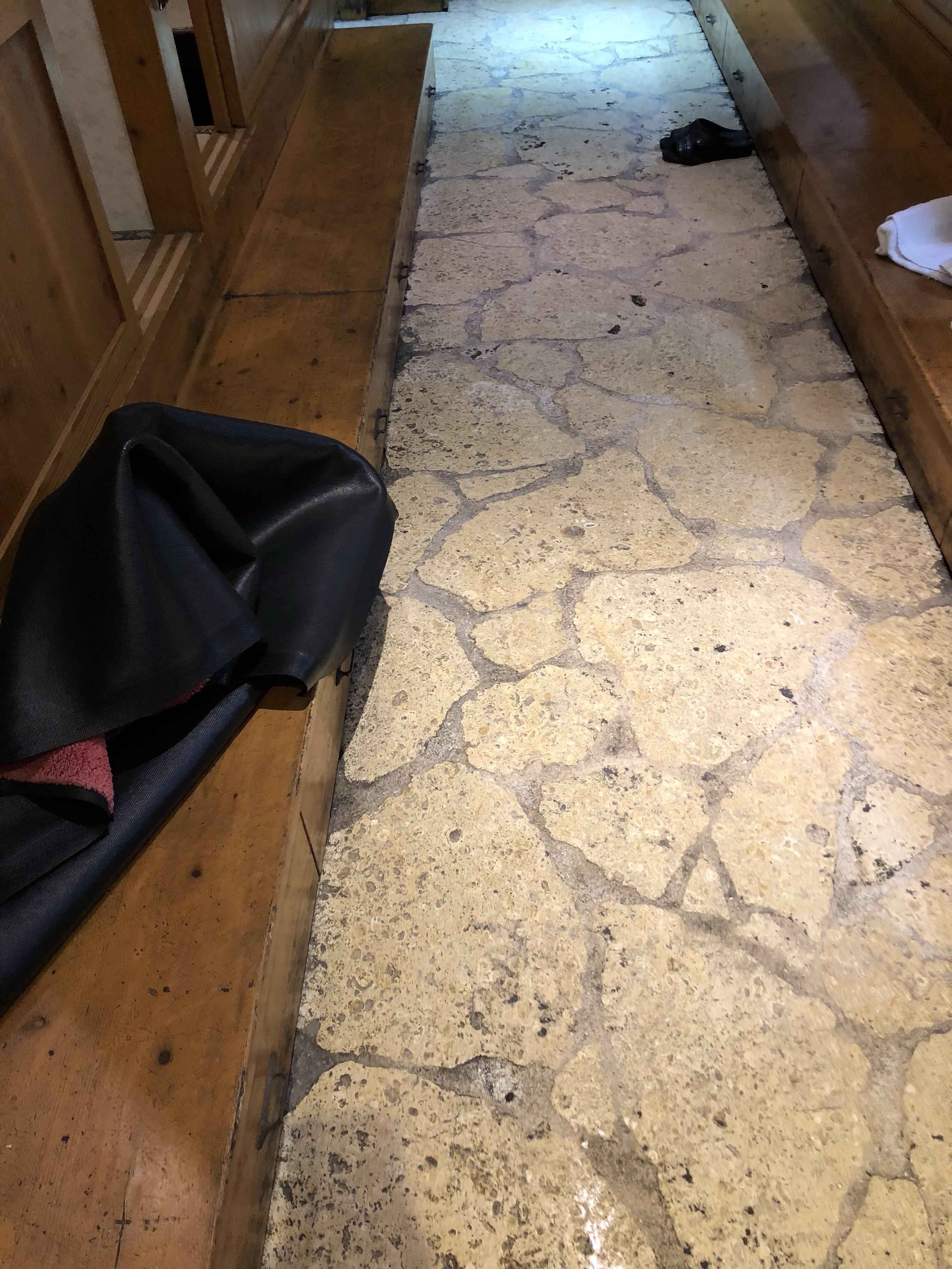 那覇市で床クリーニング*