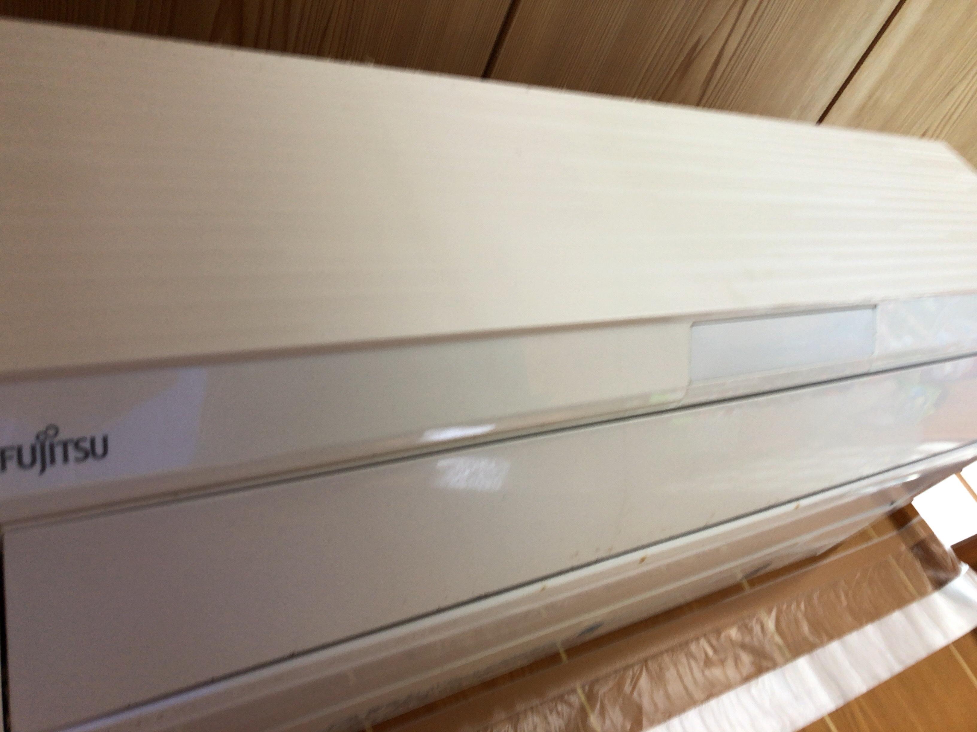 壁掛け お掃除機能付き エアコン ♬ 富士通 AS-R28D-W