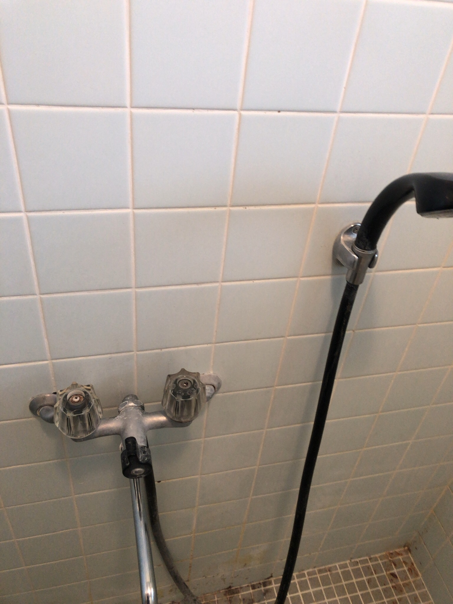 浴室 水栓金具 ♬ 水垢さん